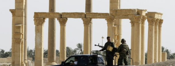L'armée syrienne en patrouille le 6 mai 2016 à Palmyre  © AFP/Archives LOUAI BESHARA