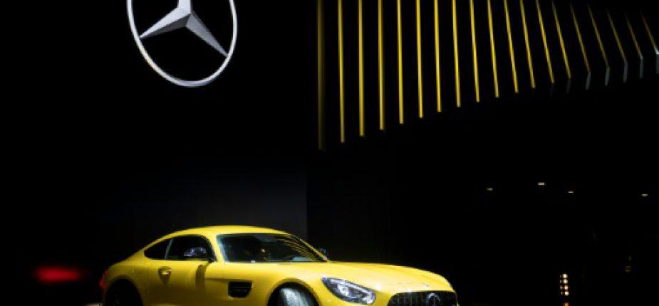 Le modèle Mercedes-AMG GT S exposé lors du salon auto de Detroit, le 9 janvier 2017  © AFP JIM WATSON