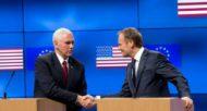 Le vice-président américain Mike Pence (G) et le président du Conseil européen Donald Tusk, le 20 février 2017 à Bruxelles  © POOL/AFP Virginia Mayo
