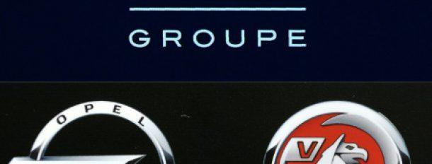 Le constructeur automobile français PSA envisage d'acquérir les activités européennes (marques Opel et Vauxhall) de l'américain General Motors  © AFP/Archives ERIC PIERMONT, FABRICE COFFRINI
