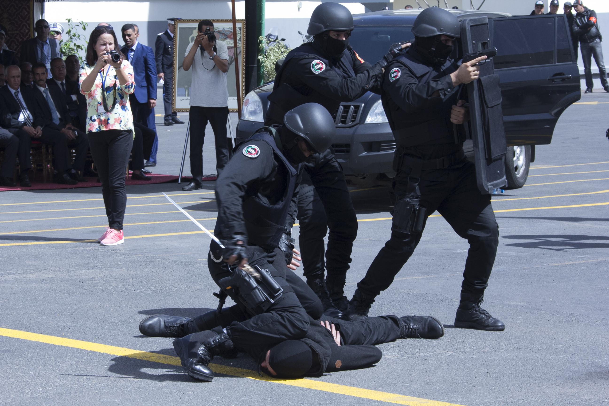 Moroccan Special Forces/Forces spéciales marocaines  :Videos et Photos : BCIJ, Gendarmerie Royale ,  - Page 10 Polce-7
