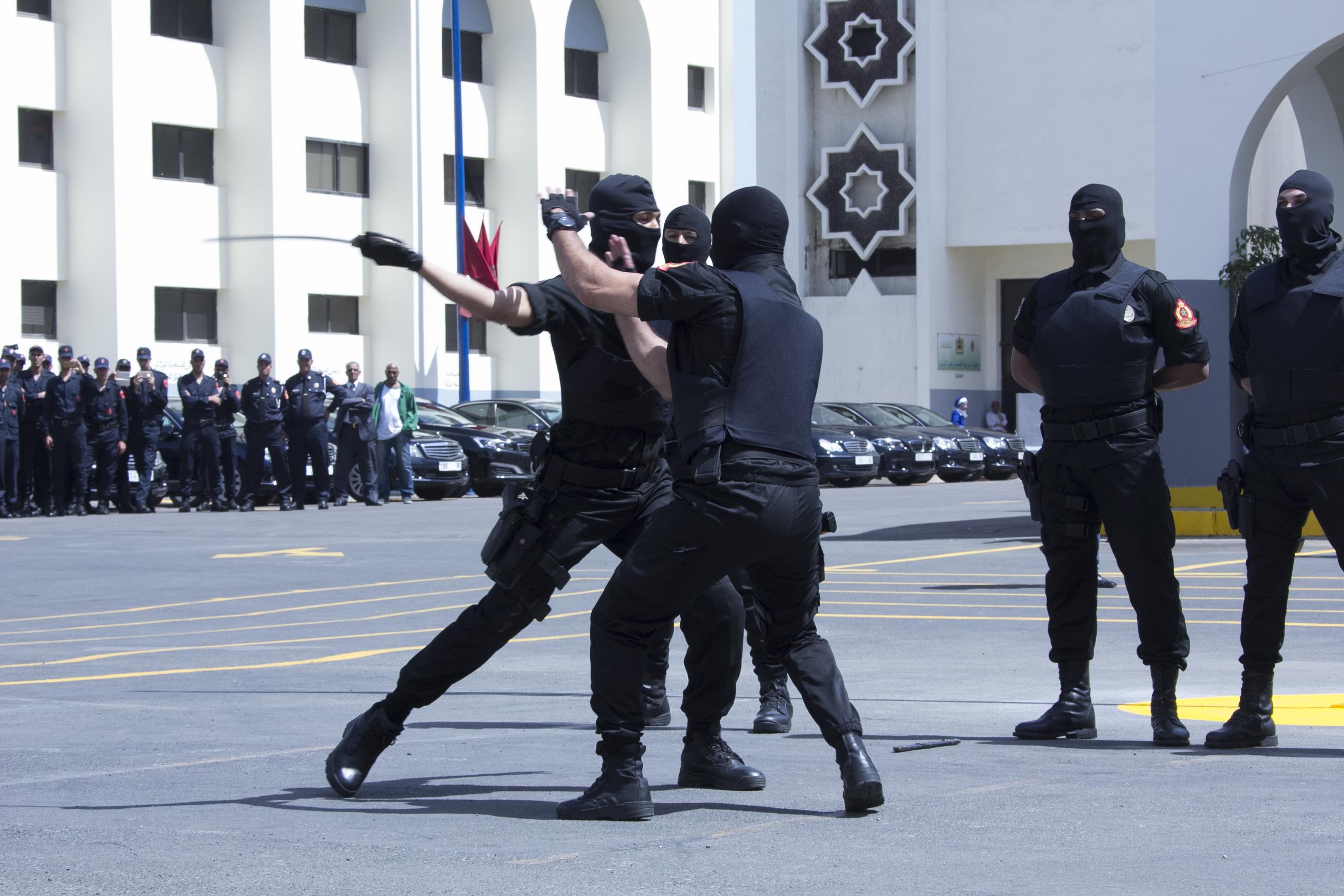 Moroccan Special Forces/Forces spéciales marocaines  :Videos et Photos : BCIJ, Gendarmerie Royale ,  - Page 10 Police-87